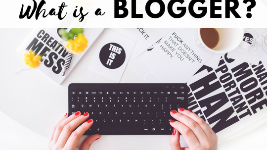 what is a blogger?